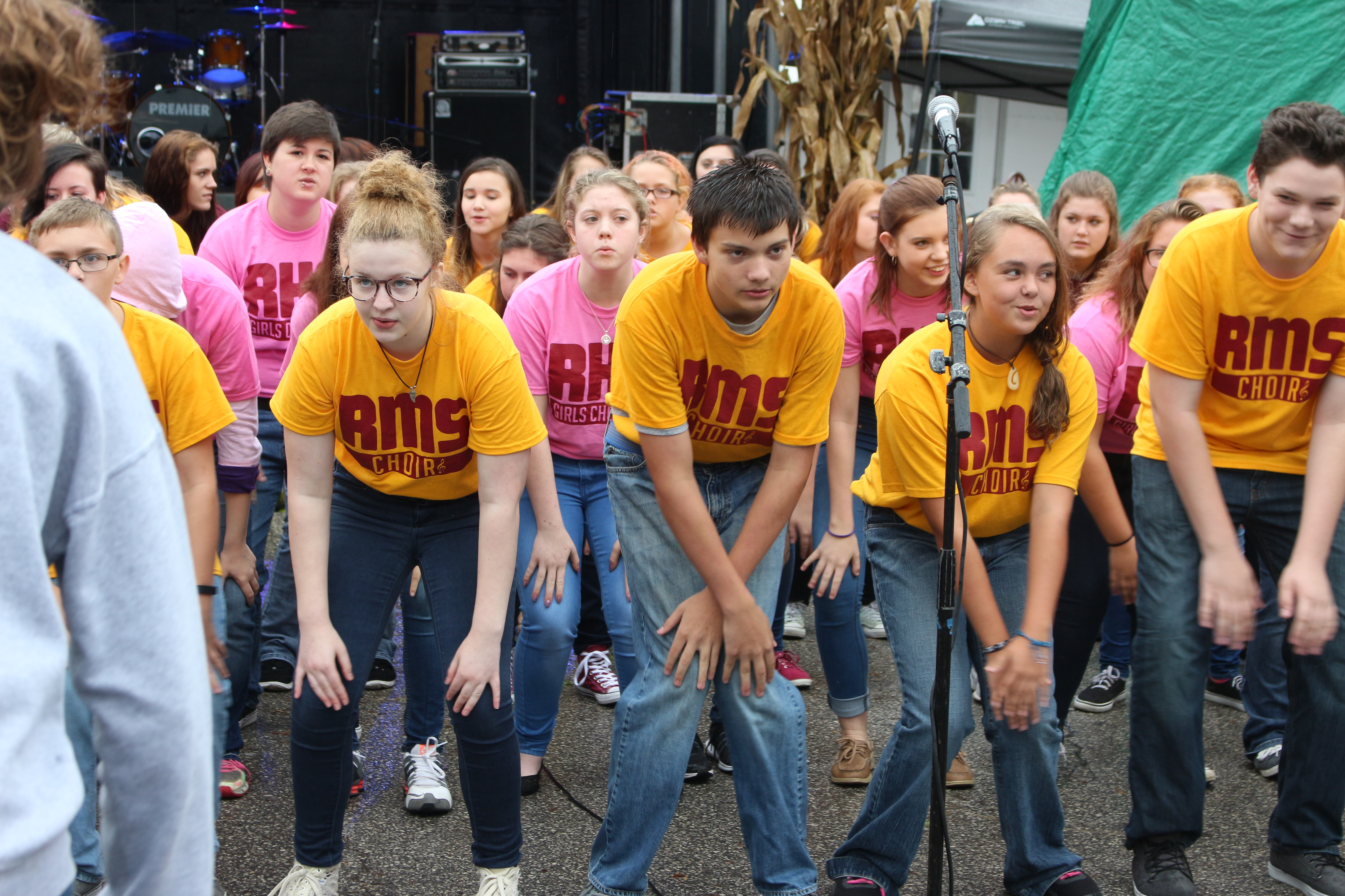 RHS & RMS Perform at Old Fashion Days